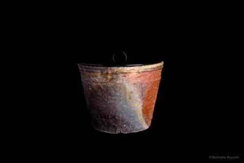 伊賀鬼桶水指<br>Iga water holder<br>⌀22.2 x h19.0(cm)<br>photograph: NISHIOKA Kiyoshi