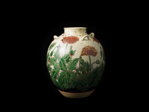 色絵金彩芥子図茶壺<br>Tea Jar with poppy design  in overglaze enamel<br>⌀26.0 x h30.0(cm)<br>photograph: NISHIOKA Kiyoshi